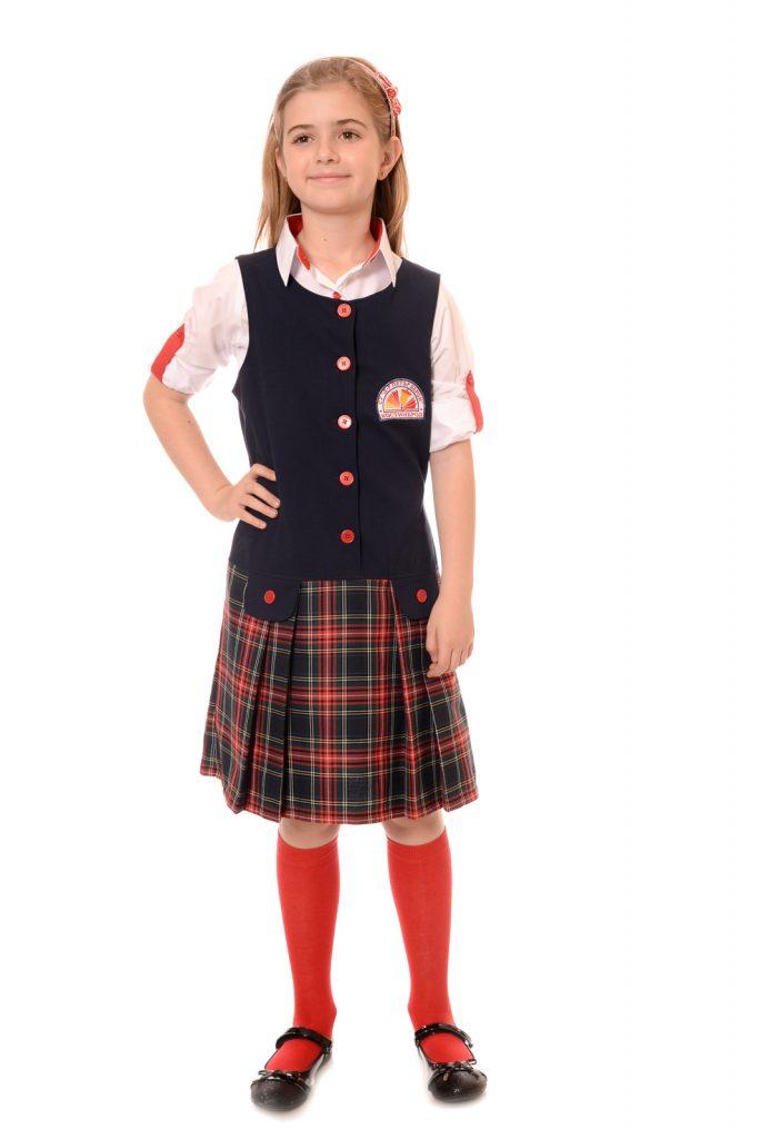 ученическите униформи на СУ Д-р Петър Берон град Костинброд модел за момичета 1