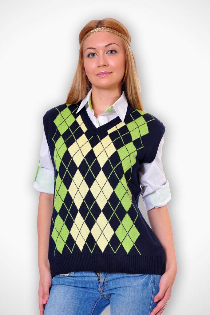 пуловер като допълнение към униформа без ръкав