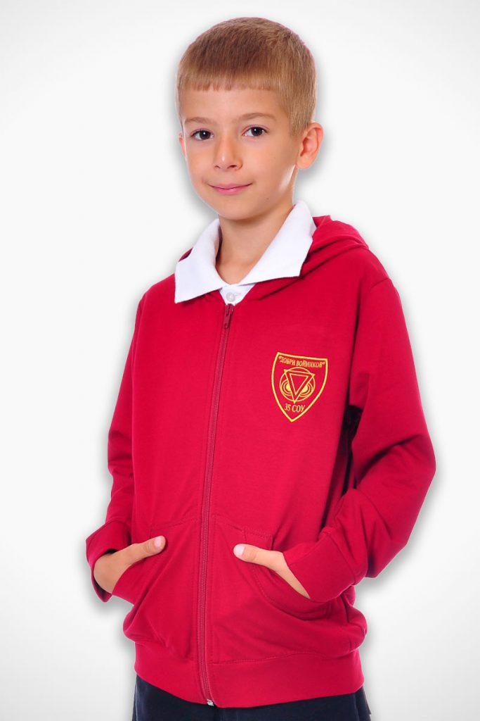 ученическа униформа с червен суетшърт